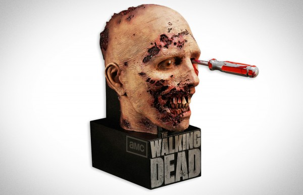 The Walking Dead: The Complete Second Season Limited Edition