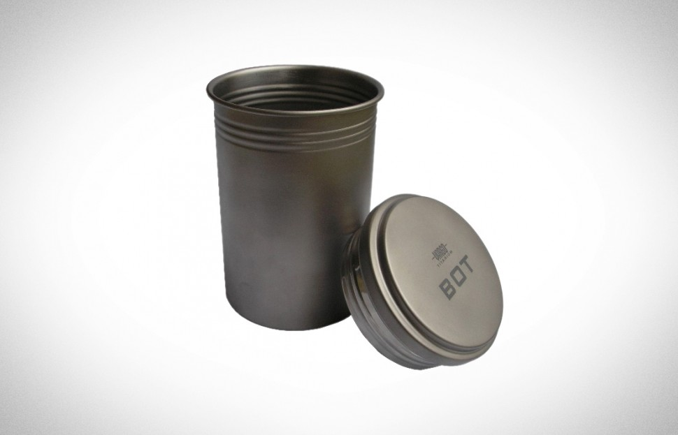 titanium-bot-bottle-pot
