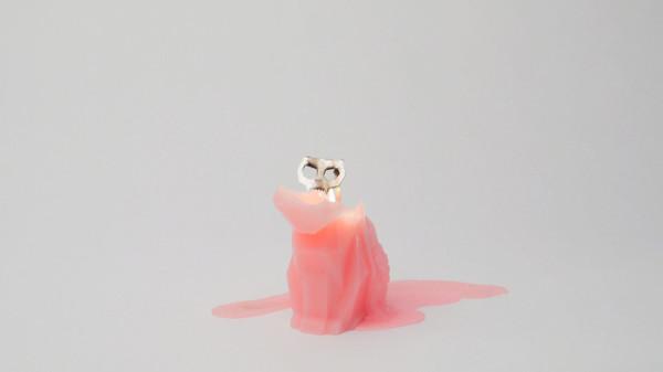 PyroPet candles designed by Thorunn Arnadottir and Dan Koval, campagin now running on Kickstarter, start as cute cat-shaped candles and end up as metallic skeletons