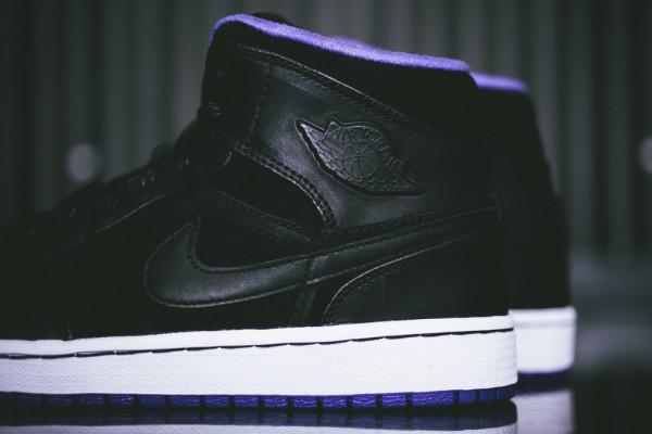 Air_Jordan_1_Black_Purple_Sneaker_Politics10_1024x1024