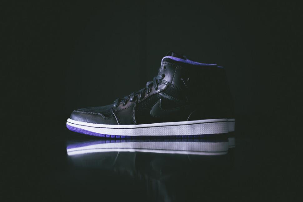 Air_Jordan_1_Black_Purple_Sneaker_Politics8_1024x1024