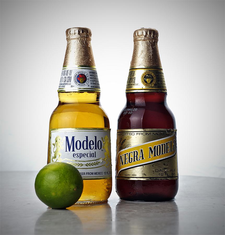 modelo negro alcohol content